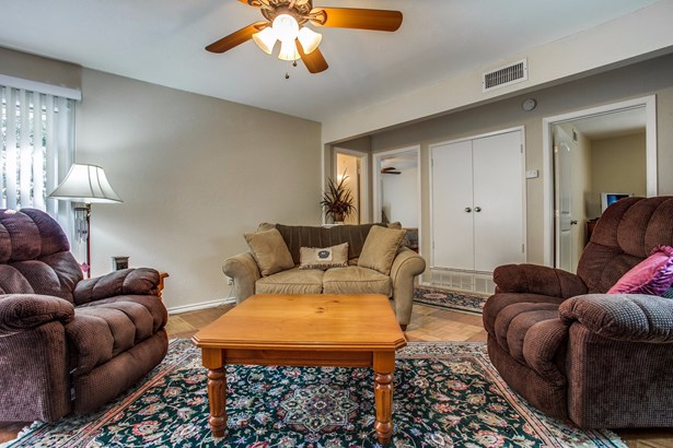 904 N Lindale Lane, Richardson, TX - USA (photo 5)