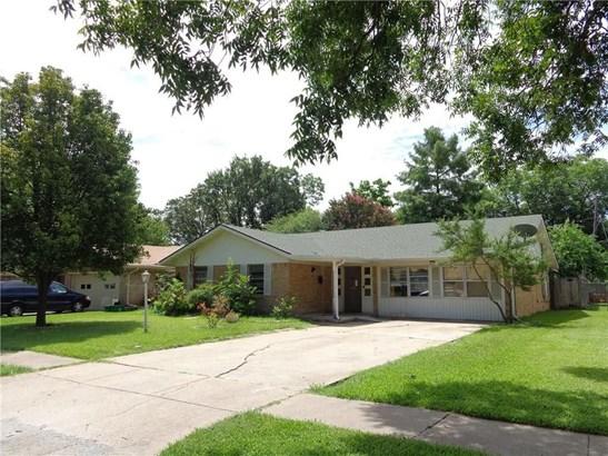 129 W Dorris Drive, Grand Prairie, TX - USA (photo 2)