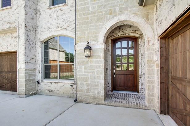 611 Oak Grove Lane, Coppell, TX - USA (photo 3)