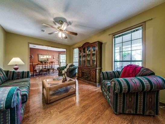 302 Ovilla Oaks Drive, Ovilla, TX - USA (photo 4)