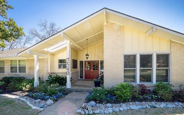 7540 Stonecrest Drive, Dallas, TX - USA (photo 3)