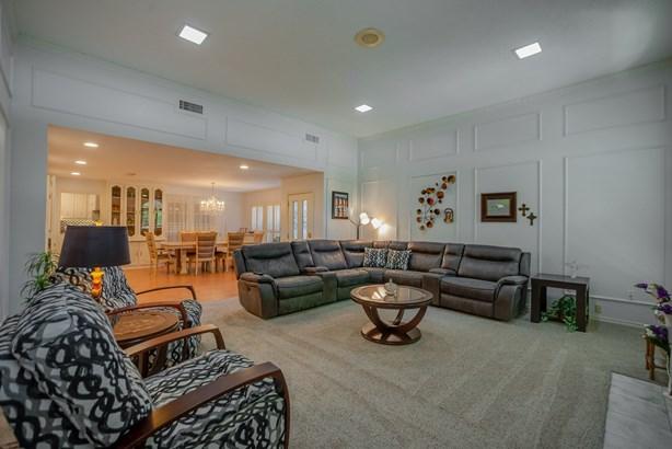 9219 Whitehurst Drive, Dallas, TX - USA (photo 5)