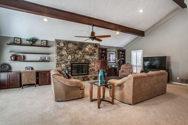2405 Springwood Lane, Richardson, TX - USA (photo 5)