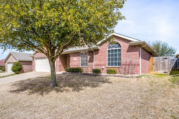 1704 Hope Town Drive, Mansfield, TX - USA (photo 2)