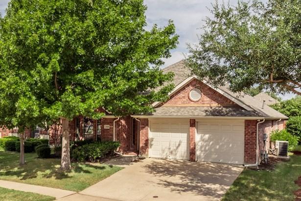 2468 Beachview Drive, Grand Prairie, TX - USA (photo 2)