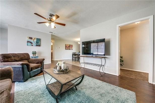 7821 Robin Creek Place, Dallas, TX - USA (photo 4)