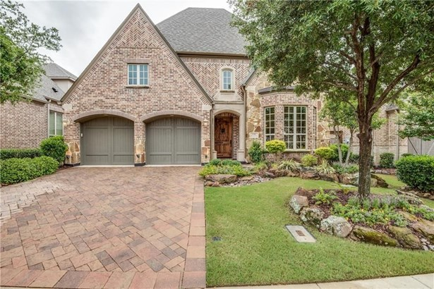 656 Clearwater Drive, Irving, TX - USA (photo 2)