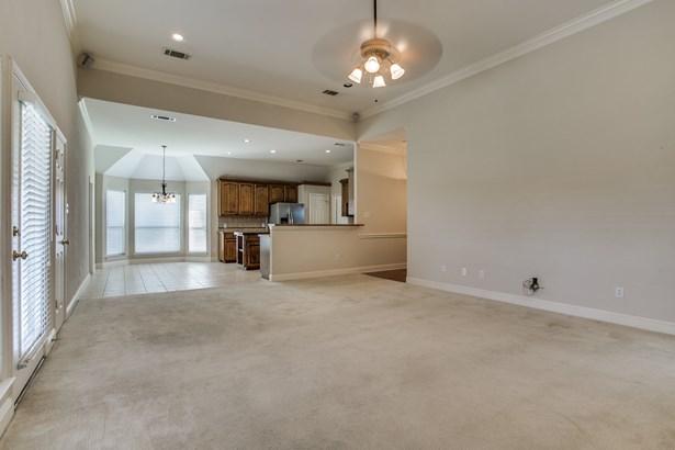 1315 Magnolia Drive, Richardson, TX - USA (photo 4)