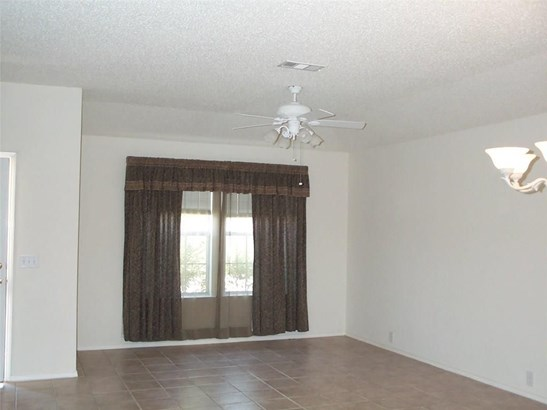 917 Wintercreek Drive, Denton, TX - USA (photo 2)