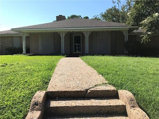 301 Point Royal Drive, Rowlett, TX - USA (photo 2)