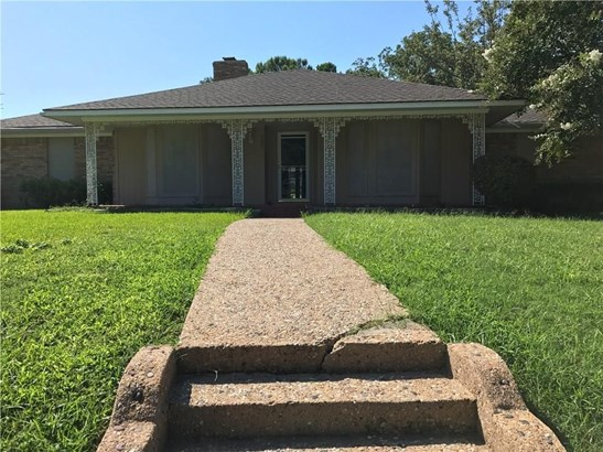 301 Point Royal Drive, Rowlett, TX - USA (photo 4)