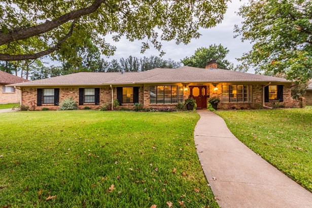 1600 Yarborough Drive, Sherman, TX - USA (photo 1)