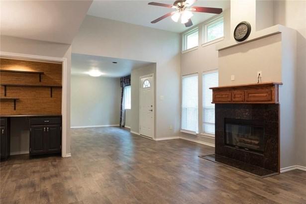 2135 Country Villa Drive, Carrollton, TX - USA (photo 3)