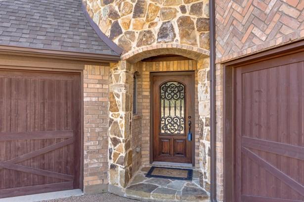 8420 La Fontaine Drive, North Richland Hills, TX - USA (photo 4)