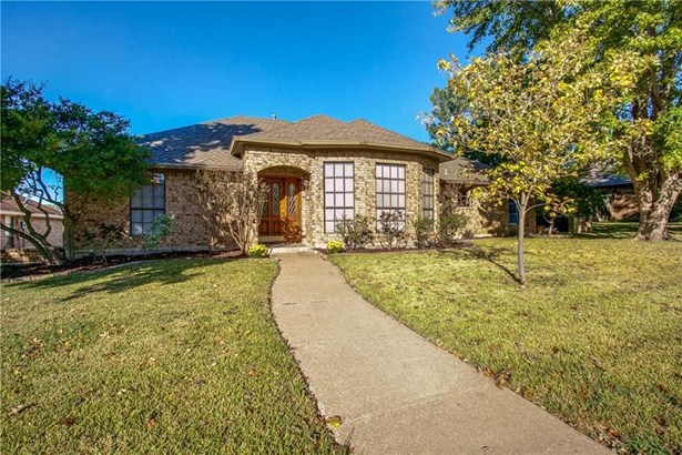 2417 Country Valley Road, Garland, TX - USA (photo 2)