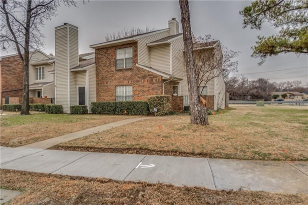 810 Creekside Drive, Lewisville, TX - USA (photo 1)