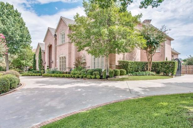 5212 Lakecreek Court, Plano, TX - USA (photo 2)