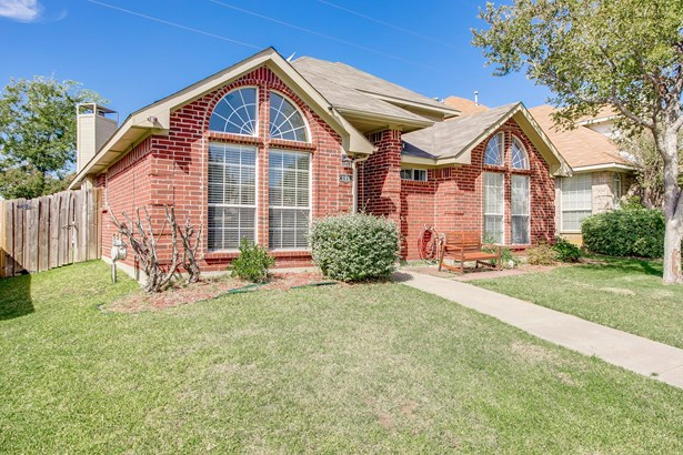 906 Brose Drive, Lewisville, TX - USA (photo 2)