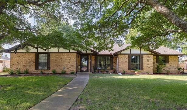 337 Creekwood Drive, Lancaster, TX - USA (photo 2)