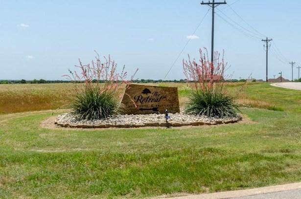 8120 Lanark Court, Cleburne, TX - USA (photo 3)