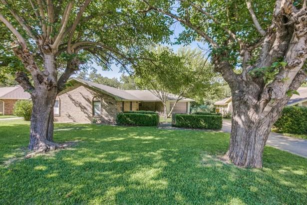 627 Little Creek Drive, Duncanville, TX - USA (photo 1)