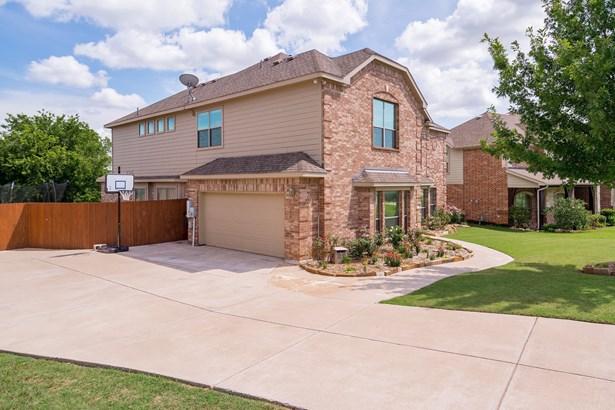 5824 Lamb Creek Drive, Fort Worth, TX - USA (photo 2)