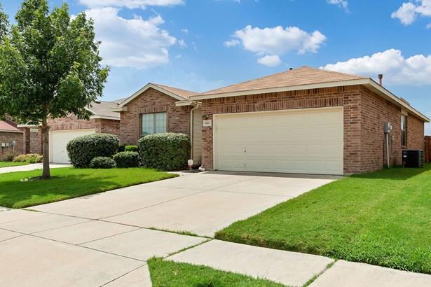 8613 Meredith Lane, Fort Worth, TX - USA (photo 2)