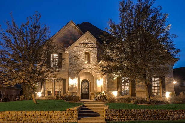 2310 Castle Creek Drive, Mansfield, TX - USA (photo 1)