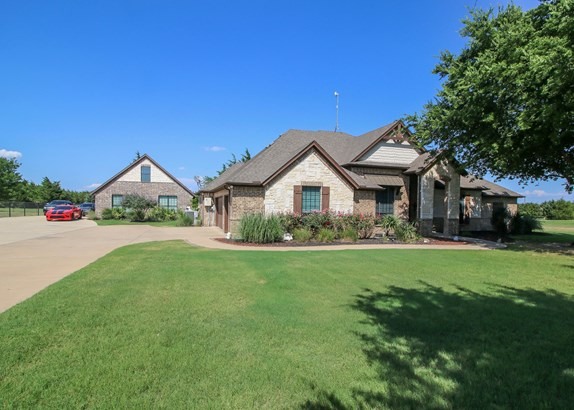 170 N Oak Branch, Waxahachie, TX - USA (photo 1)