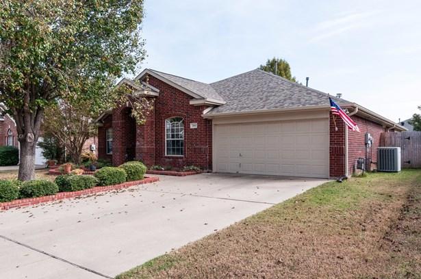 1065 Springhill Drive, Saginaw, TX - USA (photo 3)