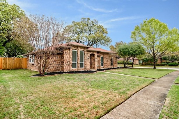 500 Cozby Avenue, Coppell, TX - USA (photo 2)