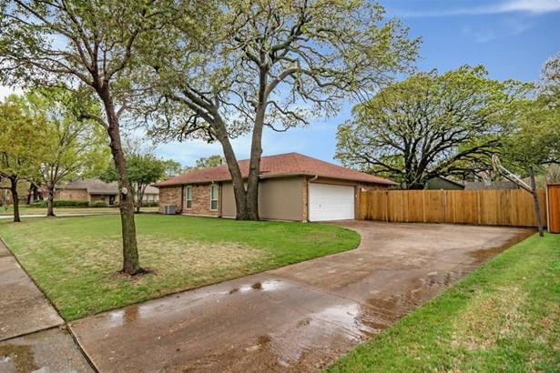 500 Cozby Avenue, Coppell, TX - USA (photo 3)