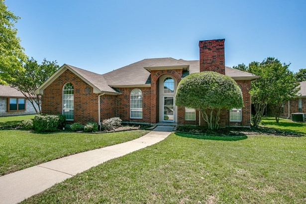 1217 Shawnee Trail, Carrollton, TX - USA (photo 2)