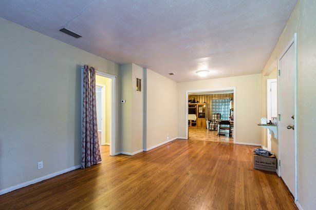 1304 Marydale Drive, Arlington, TX - USA (photo 4)