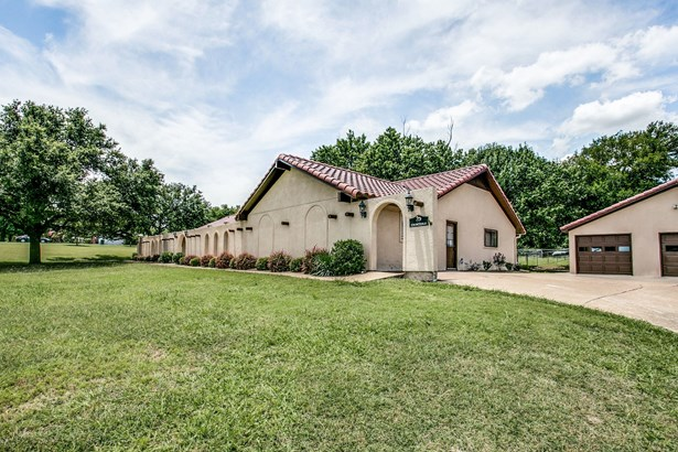 2065 Beaver Creek Road, Wylie, TX - USA (photo 2)