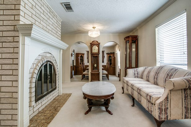 2065 Beaver Creek Road, Wylie, TX - USA (photo 4)