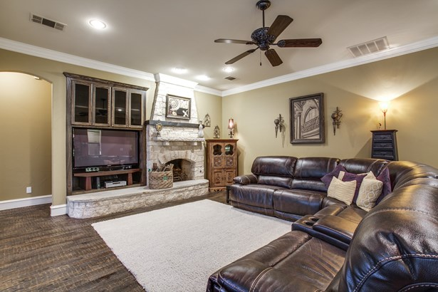 1403 Norwegian Wood Court, Mansfield, TX - USA (photo 5)