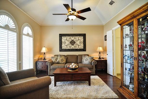 6502 Barclay Lane, Garland, TX - USA (photo 3)