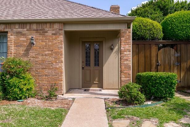 429 Winding Brook Lane, Richardson, TX - USA (photo 2)