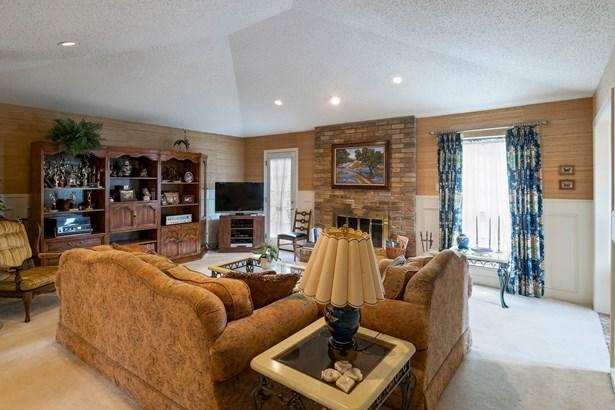 429 Winding Brook Lane, Richardson, TX - USA (photo 4)