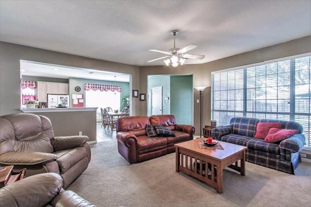 6401 Richmond Court, Rowlett, TX - USA (photo 3)