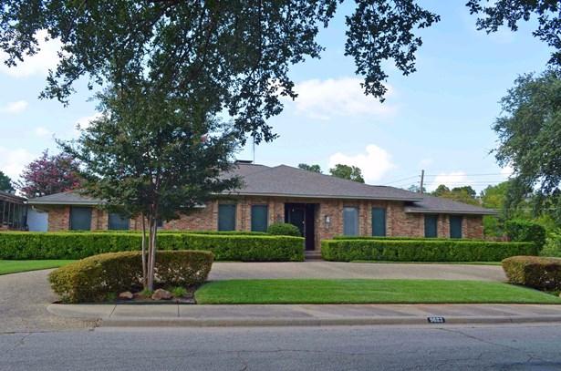 9683 Fallbrook Drive, Dallas, TX - USA (photo 2)