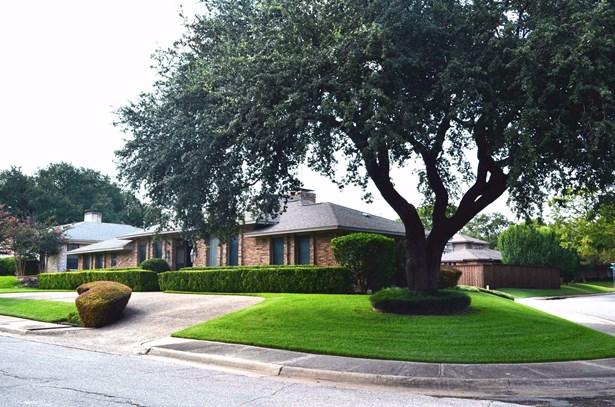 9683 Fallbrook Drive, Dallas, TX - USA (photo 3)