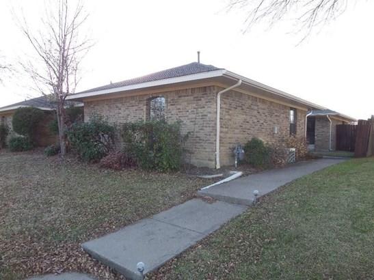 2211-b Woodcreek, Carrollton, TX - USA (photo 2)