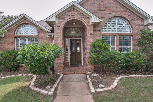 1105 Garden Ridge Drive, Burleson, TX - USA (photo 3)