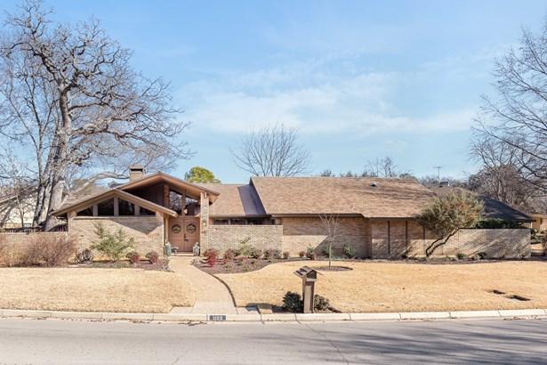 1105 Crowley Road, Arlington, TX - USA (photo 1)