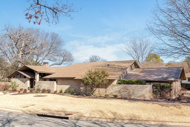 1105 Crowley Road, Arlington, TX - USA (photo 2)