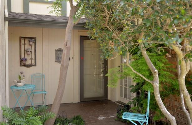2004 Court Place, Garland, TX - USA (photo 2)