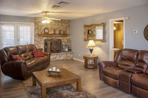 929 Oaklanding Circle, Kemp, TX - USA (photo 4)