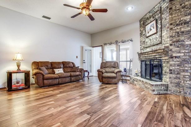 5234 Wood Creek Lane, Garland, TX - USA (photo 2)